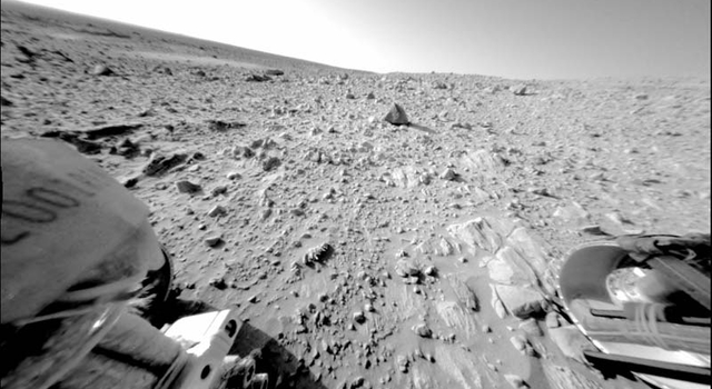 Rover Spirit took this image of a large, continuous rock outcrop