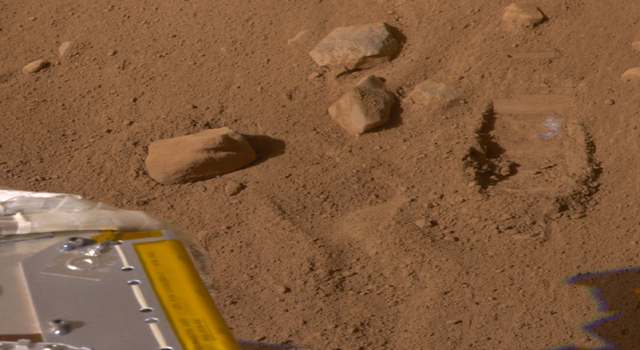 Martian soil near Phoenix lander