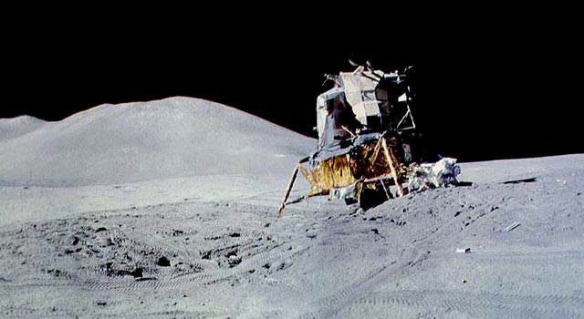 apollo the first space flights to the moon - photo #25