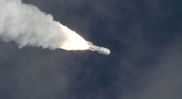 NASA's Mars Science Laboratory soars through the sky aboard an Atlas V rocket.