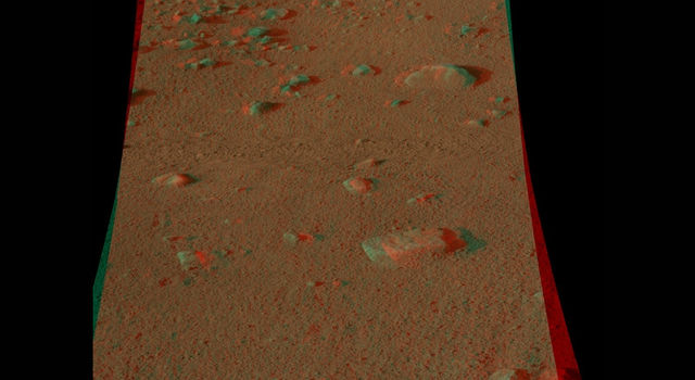 Martian surface seen in 3-D
