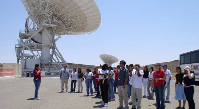Students visit the Deep Space Network at Goldstone, Calif.