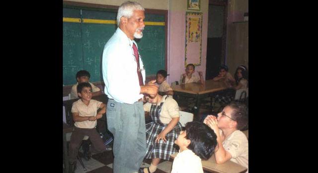 Angel Sanabria with children
