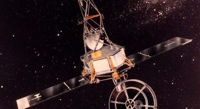 Artist's concept of the Mariner 2 spacecraft in the early 1960s.
