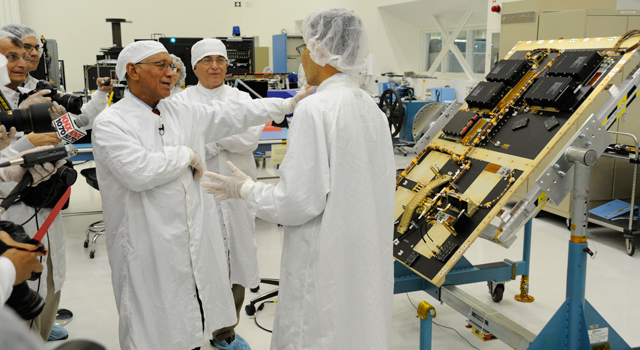 Administrator Charles Bolden learns about SMAP in the clean room at NASA/JPL