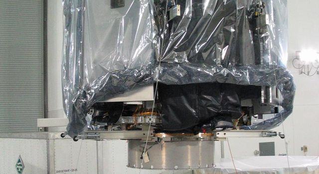 CloudSat suspended in facility