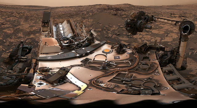 Panorama of Mars Curiosity rover