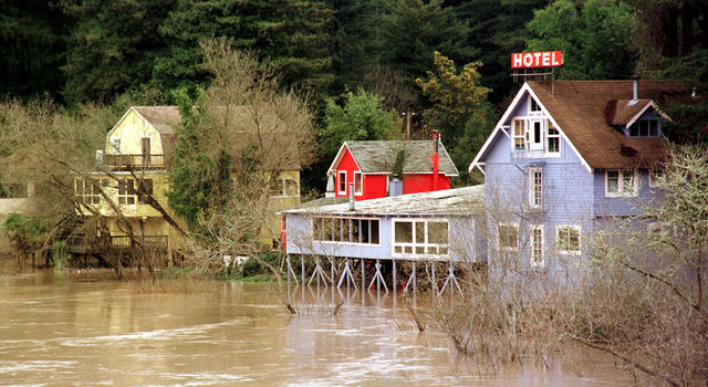 Flooding on the Russian River in northern California during the 1997-98 El Niño event.