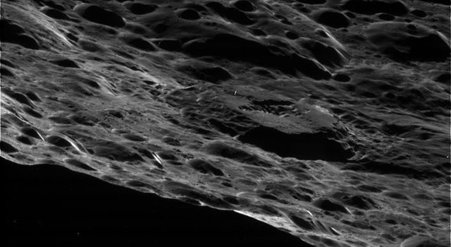 Saturn's moon Iapetus