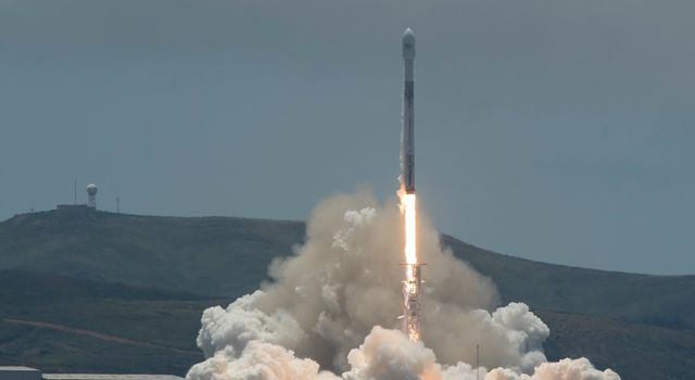 NASA/German Research Centre for Geosciences GRACE Follow-On spacecraft launch onboard a SpaceX Falcon 9 rocket