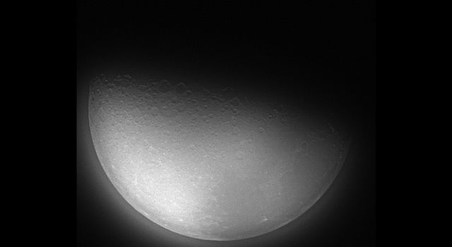 Stardust Camera Captures The Moon