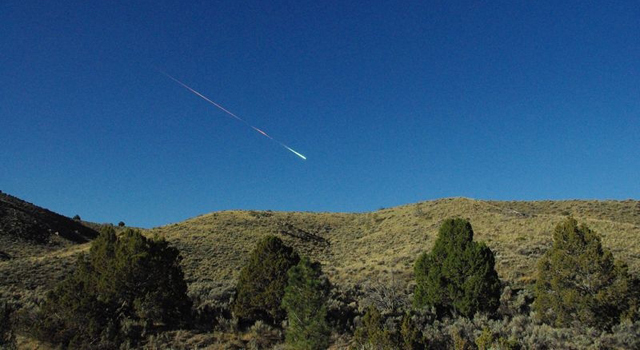 A meteor in the sky above Reno, Nevada on April 22, 2012. Image credit: Lisa Warren