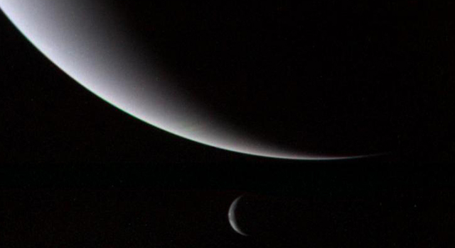Crescents of Neptune and Triton