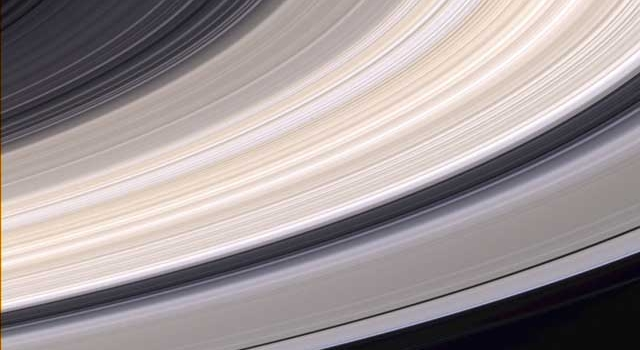 color image of Saturn's rings