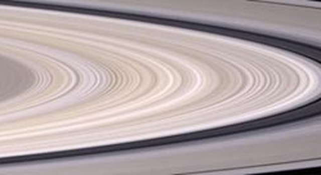 natural-color image of Saturn's rings