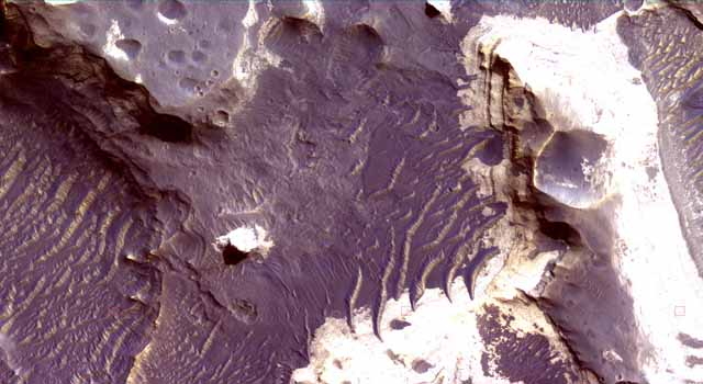 layers inside Holden Crater, Mars