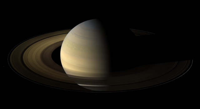 View of Saturn's rings during equinox