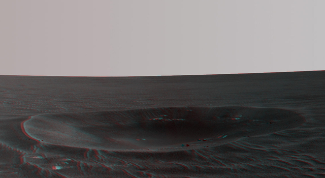 'Yankee Clipper' Crater on Mars (Stereo)