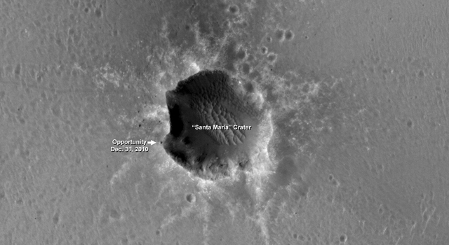 Mars Orbiter Sees Rover Opportunity at Crater Edge