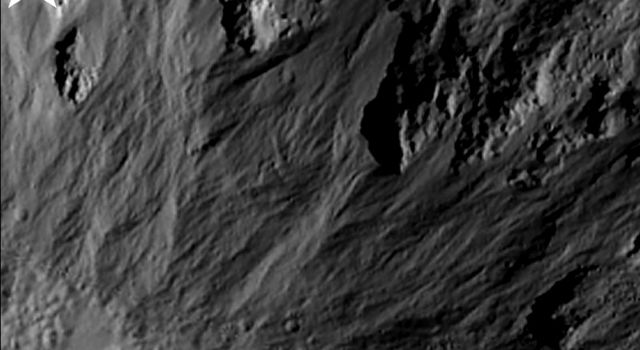 Sinuous Gullies, Close-up