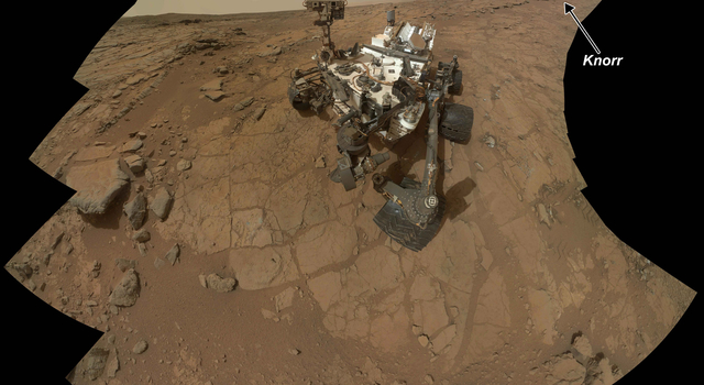 Rock Target 'Knorr' Near Curiosity in Rover's Self-Portrait
