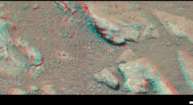 Evidence About a Martian Streambed (Stereo)