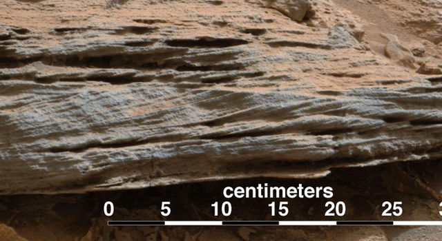 Martian Rock's Evidence of Lake Currents