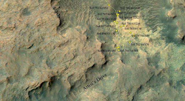 Curiosity Heading Away from 'Pahrump Hills'