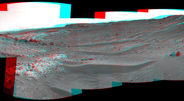 Curiosity View Ahead Through 'Artist's Drive' (Stereo)