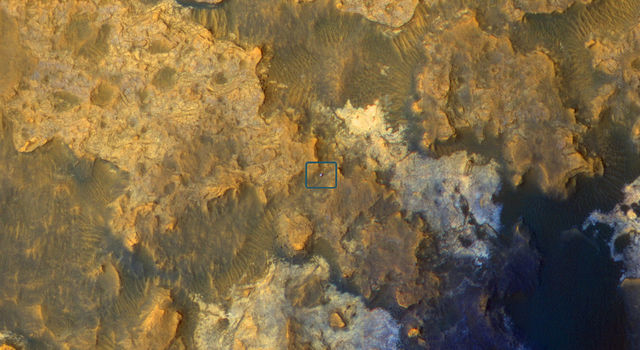Mars Orbiter Sees Curiosity Rover in 'Artist's Drive'