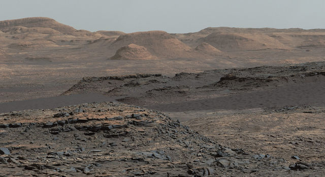 Curiosity Rover Will Study Dunes on Route up Mountain