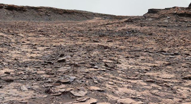 Cluster of Martian Mesas on Lower Mount Sharp