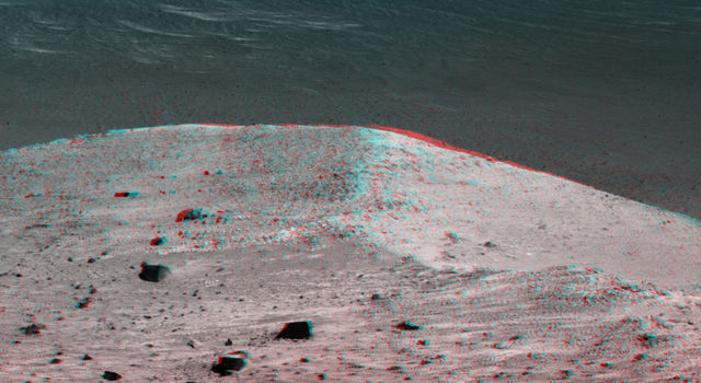 'Spirit Mound' at Edge of Endeavour Crater (Stereo)