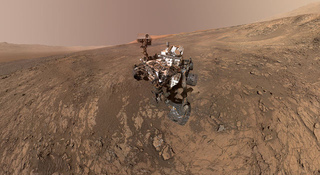 Selfie of the Curiosity rover