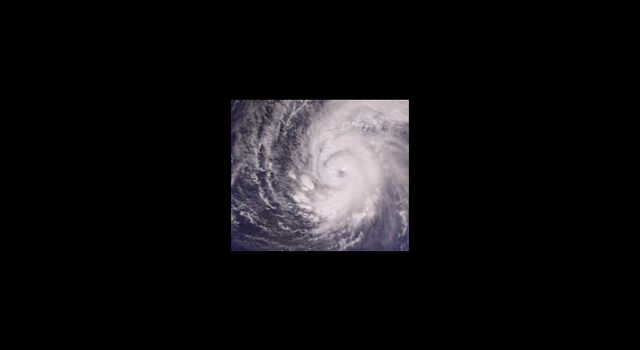 Supertyphoon Pongsona, December 2002