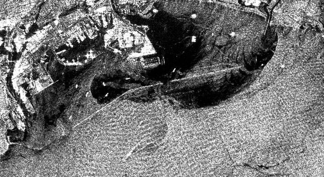 radar image of Los Angeles and Long Beach Harbors, showing stormwater runoff plumes