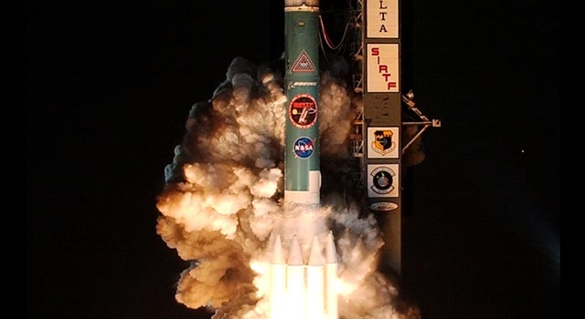 Space Infrared Telescope Facility Lifts Off