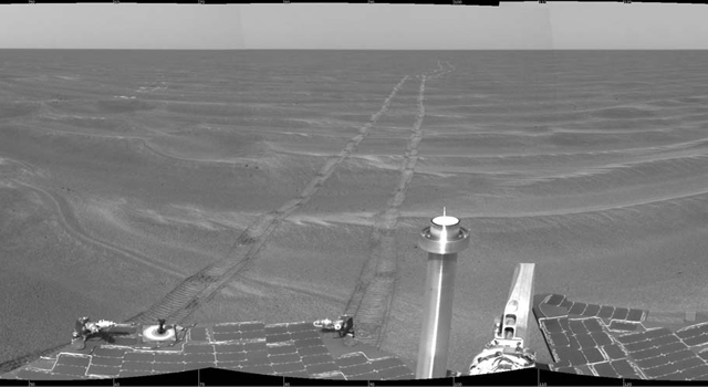 Opportunity view of its surrounding on Feb. 24, 2005