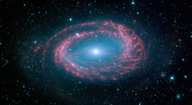 infrared image of galaxy NGC 4725, which has only one spiral arm