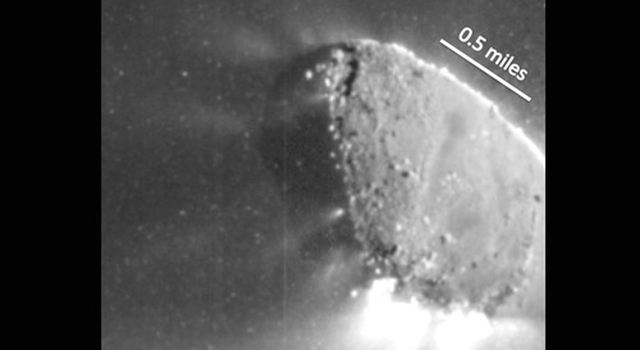 Image showing jets coming from comet Hartley 2