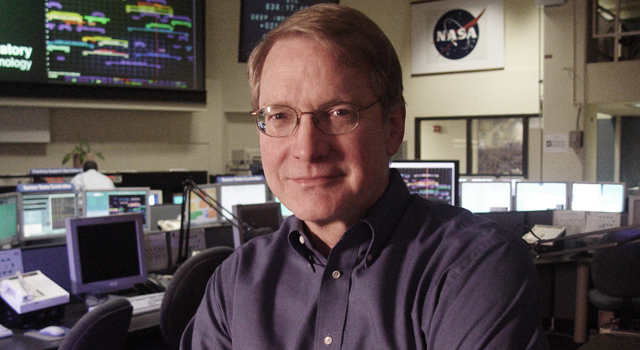 NASA's Don Yeomans Receives Sagan Medal
