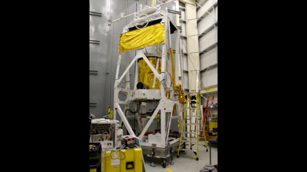 The gondola and telescope inside the STO-2 hangar at LDB