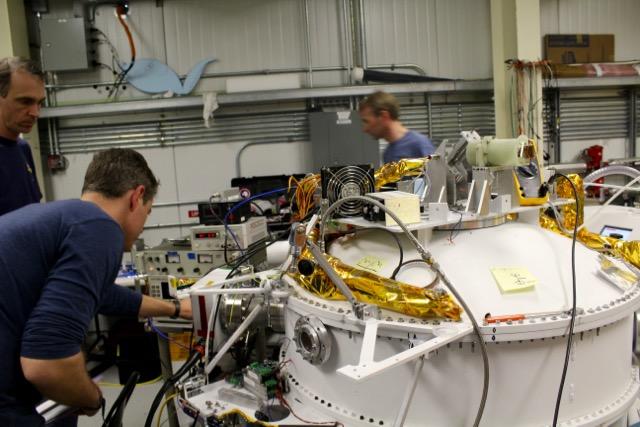 The STO-2 cyrostat