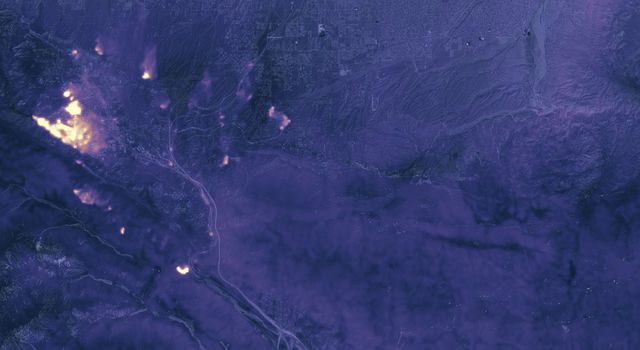 California's Blue Cut Fire at Night on August 17, 2016