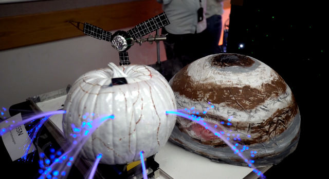 NASA/JPL Pumpkin Design Contest 2016 - Jupiter and Europa Pumpkin