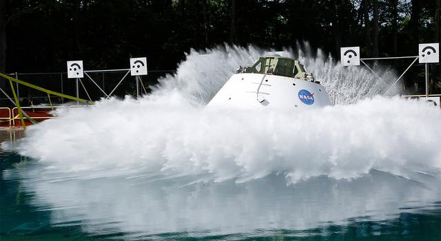 Splashdown test for the Orion Multipurpose Crew Vehicle