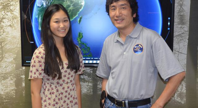 JPL intern Alice Zhai stands with her mentor, Jonathan Jiang.