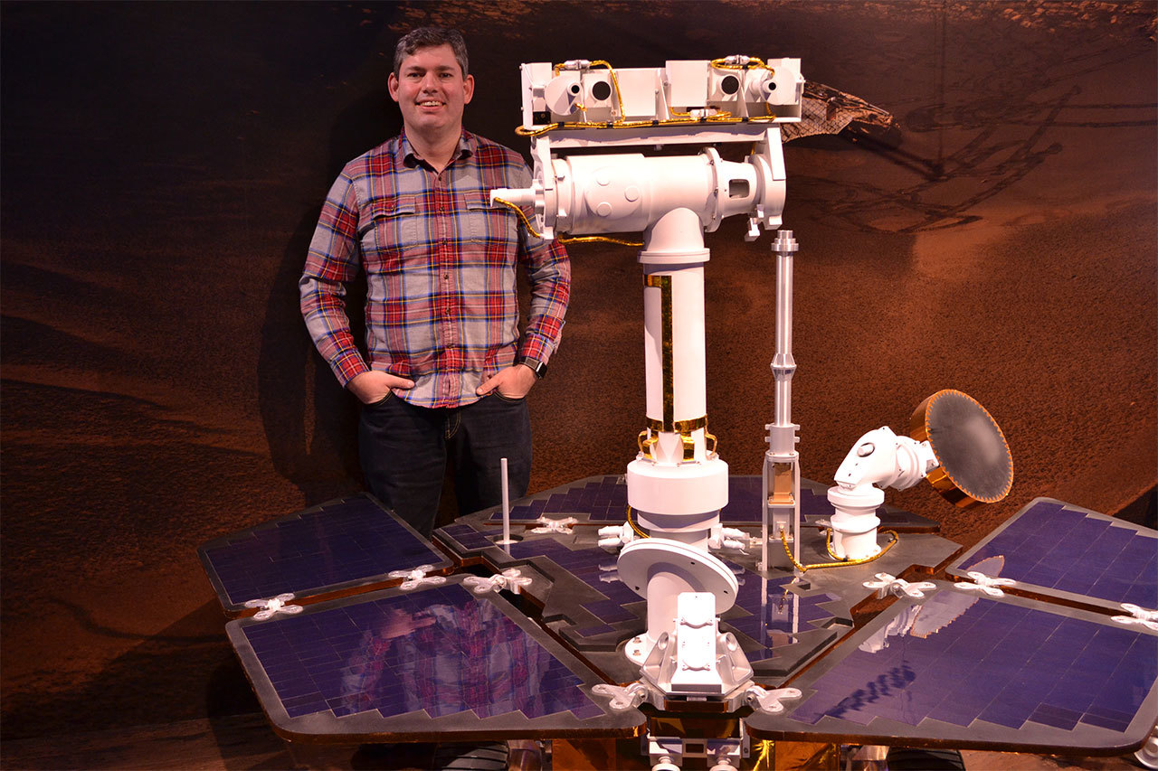 JPL instrument operations engineer Doug Ellison uses the Curiosity rover to take pictures on Mars